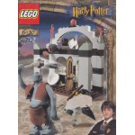 LEGO HARRY POTTER 4712 TROLL ON THE LOOSEdamaged box
