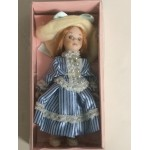 DOLL'S HOUSE COLLECTION 06 DOLL WITH LIGHT BLUE DRESS