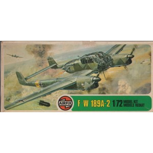 plastic figures scale 1 : 72 HELLER 80235 FOCKE WULF 190 A8 / F3 new in open box